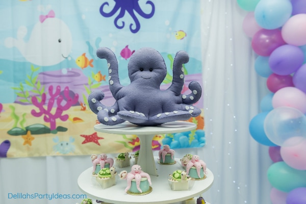 Under the sea octopus and cupcakes