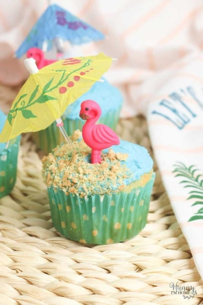 Ocean Swirl Beach Party Cupcakes