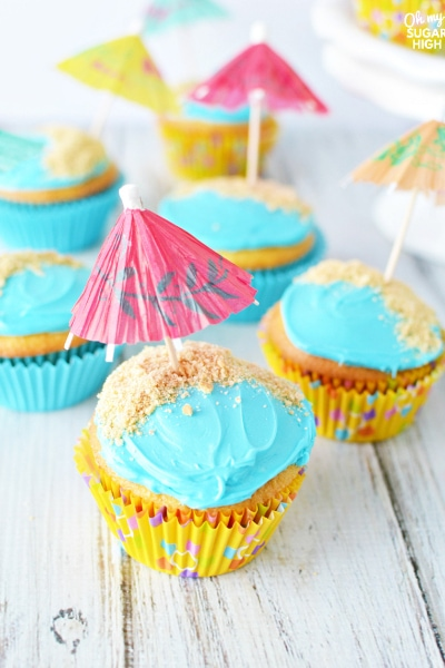Simple and Easy Beach Cupcakes