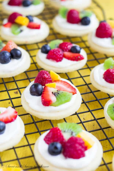 Mini Fruity Pizzas