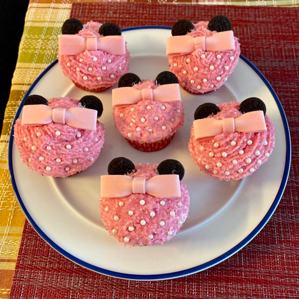 Pretty pink minnie mouse cupcakes on a plate