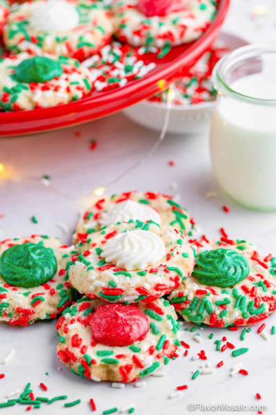 Merry and Bright Shortbread cookies