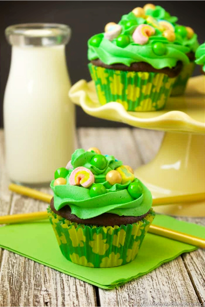 Lucky Charm St Patrick's day cupcakes