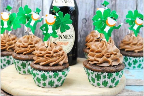 6 Guinness Cupcake on a board